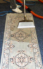 Cleaning a carpet runner